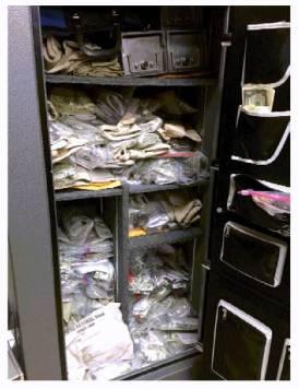 web1_money-in-unlocked-safe-in-breakroom-courtesy-legislative-auditor